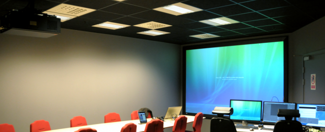 Conference area to present and discuss ideas, challenges and solutions